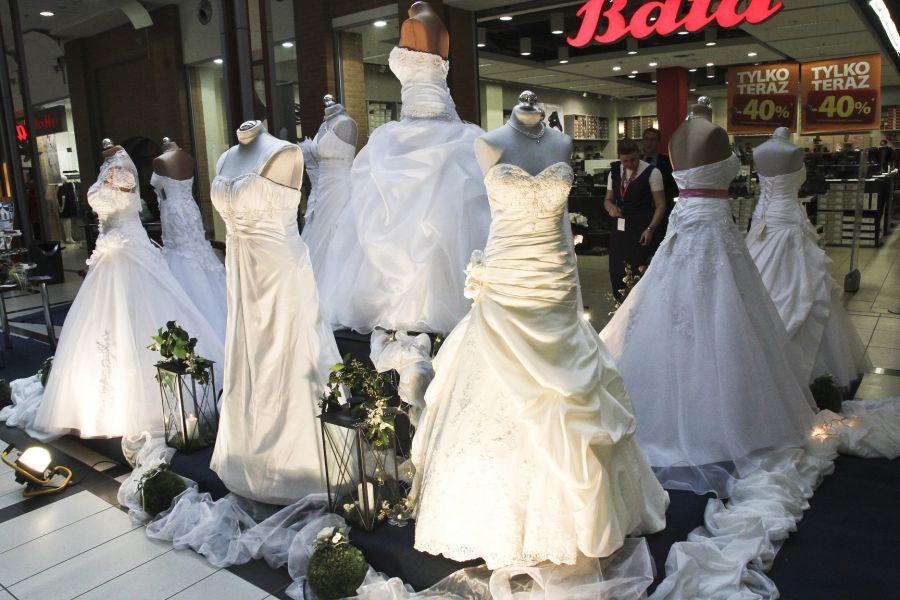 2aa0c8f51e TARGI ŚLUBNE ASKANA 2011 - Srebrny Anioł - Salon Sukien Ślubnych